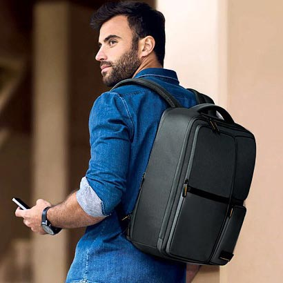 laptop-bags article laptop-backpacks
